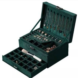Gorgeous 3-layer Jewelry Box w/ Lock & Key